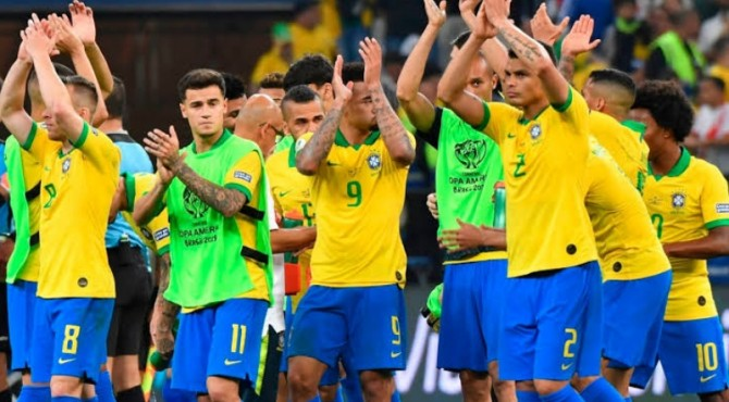 Brazil lolos ke perempat final sebagai juara gruo