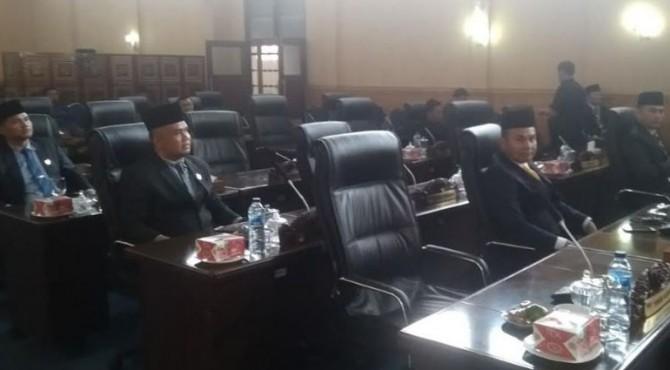Lebih Separuh Kursi Anggota DPRD Solok Selatan kosong saat mengikuti sidang paripurna istimewa mendengar Pidato Kenegaraan Presiden Republik Indonesia pada Sidang Tahunan MPR RI