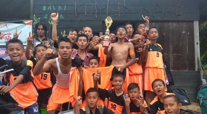Tim bola Balai Baca Rumah Bako.