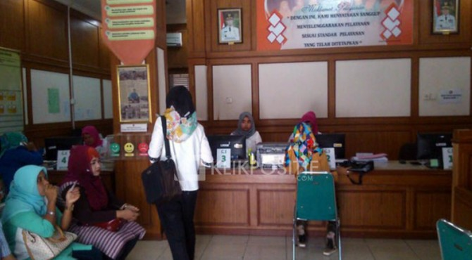 Ruang untuk membayar pajak di Bapenda Padang