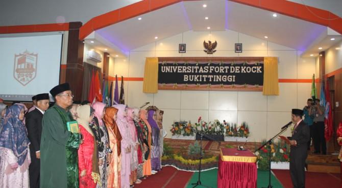 Pelantikan rektor dan jajaran Universitas Fort de Kock Bukittinggi