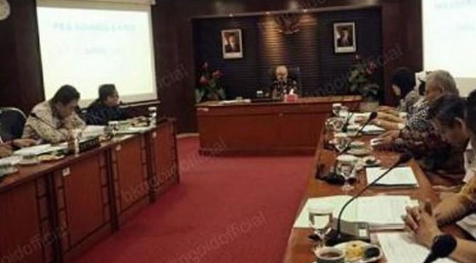 Sidang Bapek di Kantor BKN Pusat, Jakarta, Kamis (11/4).