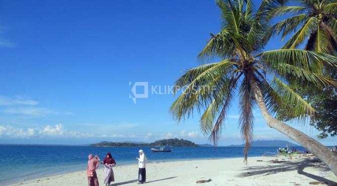 Pantai Air Bangis Pasaman Barat