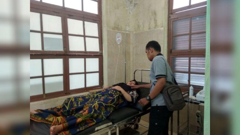 Pasangan Suami Istri Salatul Aprila dan Nova Novita di RSUD Sawahlunto