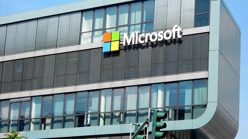 Microsoft Corp sempat mencapai keuntungan melampaui nilai $ 1 triliun untuk pertama kalinya