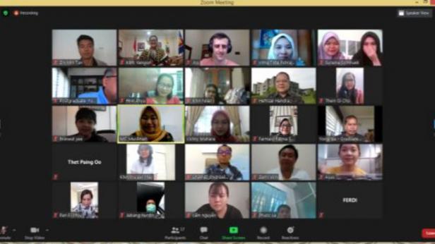 9 penerima beasiswa asal Myanmar resmi disambut secara virtual oleh Universitas Andalas, Padang (01/09/2020).