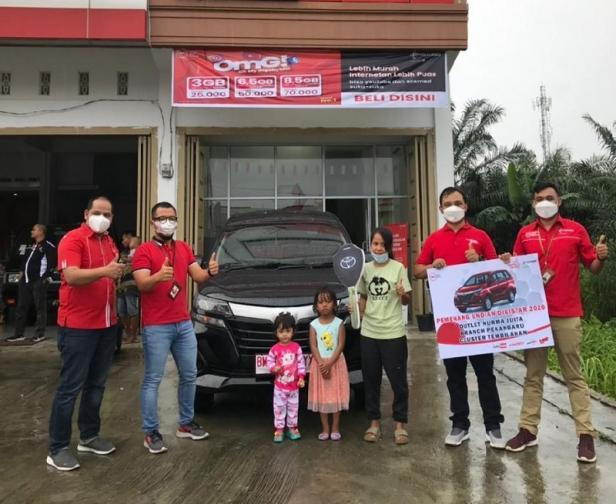 Apresiasi Mitra Outlet, Telkomsel Serahkan Hadiah Mobil untuk Pemenang Program DigiSTAR GasPol