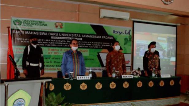 penyambutan mahasiswa baru Universitas Tamansiswa Padang, Sabtu (3/10/2020)