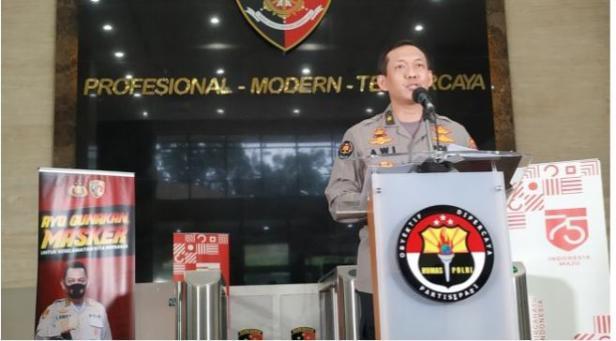 Karo Penmas Divisi Humas Mabes Polri, Brigjen Pol Awi Setiyono