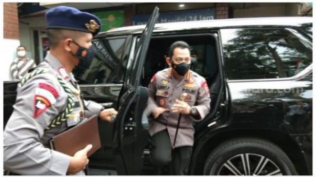 Kapolri Jenderal Listyo Sigit Prabowo tiba di Gedung PBNU di Jalan Kramat Raya, Jakarta Pusat, Kamis (28/1/2021) sore.