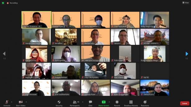 Focus Group Discussion (FGD) dengan tema 'Alumni Belanda Bicara Pembangunan Sumatera Barat yang diselenggarakan Jaringan Alumni Belanda di Sumatera Barat