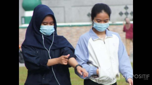Ilustrasi masyarakat pakai masker