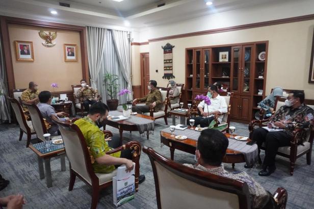 Andre Rosiade bersama lima kepala daerah di Sumbar melakukan pertemuan dengan Menkes Bufi Gunadi.