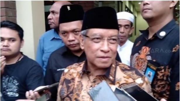 Ketua Umum PBNU Said Aqil Siradj seusai menerima kedatangan Kapolri Jenderal Idham Azis di Kantor PBNU. (Suara.com/Arga).