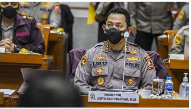 Kabareskrim Polri yang juga calon Kapolri Komjen Pol Listyo Sigit Prabowo bersiap mengikuti Uji Kelayakan dan Kepatutan Calon Kapolri di ruang Komisi III DPR, Kompleks Parlemen, Jakarta, Rabu (20/1/2021).