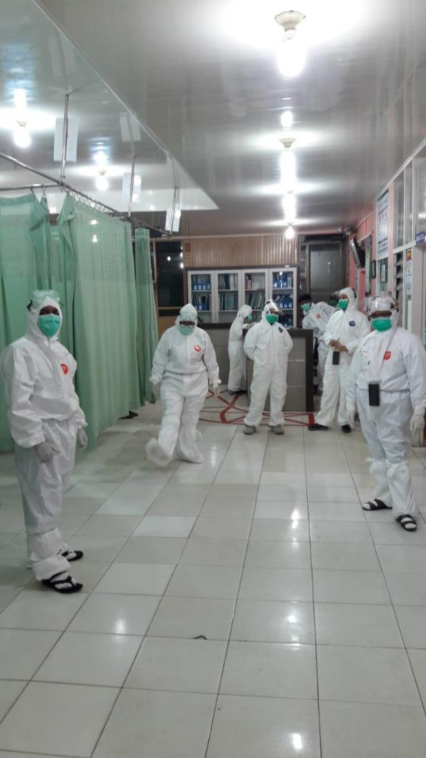 Karyawati PLN Sumbar salurkan donasi