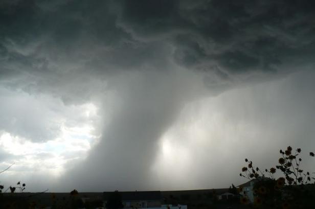 ilustrasi: badai
