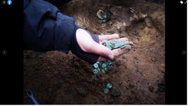 Koin kuno dari abad ke -16 di Hongaria.