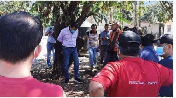 Seorang walikota di Meksiko diikat warga karena tak tepati janji kampanye.