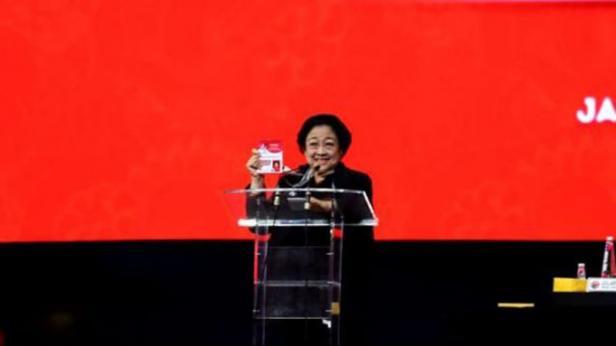 Ketua Umum PDIP Megawati Soekarnoputri menutup Rakernas PDIP di JIExpo Kemayoran, Jakarta pada Minggu (12/1/2020) malam.