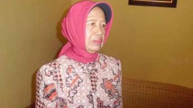 Ibunda Presiden Jokowi, Sujiatmi Notomiharjo, Selasa (14/7/2015).