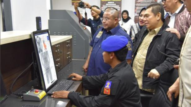 Tim Kunjungan Kerja Spesifik Komisi III DPR RI dipimpin oleh Wakil Ketua Komisi III DPR RI Adies Kadir ke Nusakambangan