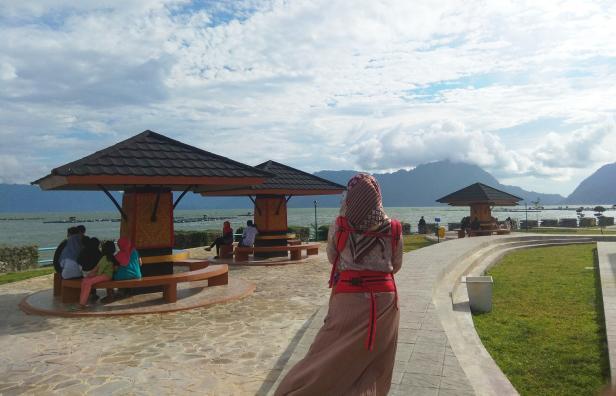 Kawasan wisata Linggai Park di Danau Maninjau Kabupaten Agam, Sumatera Barat