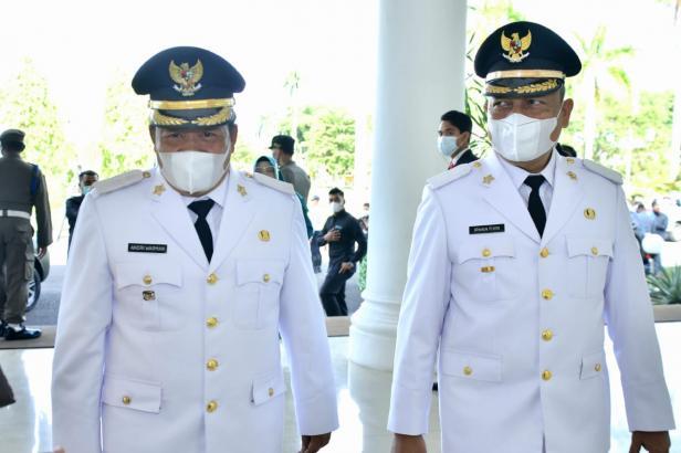 Bupati Agam Andri Warman bersama Wabup Irwan Fikri