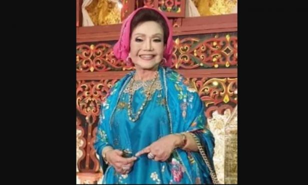 Penyanyi legendaris asal Minang, Elly Kasim