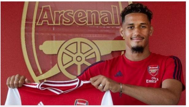 William Saliba resmi direkrut Arsenal dari Saint-Etienne.
