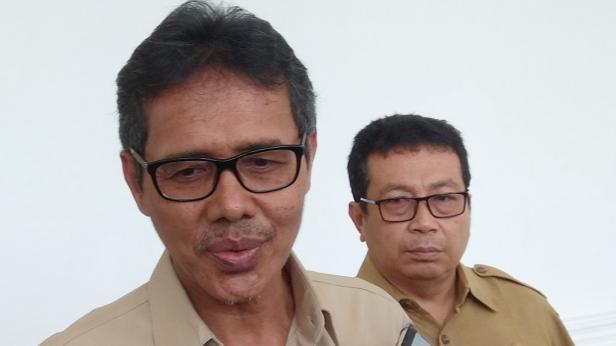 Gubernur Sumbar Irwan Prayitno dan Kepala Biro Humas Jasman