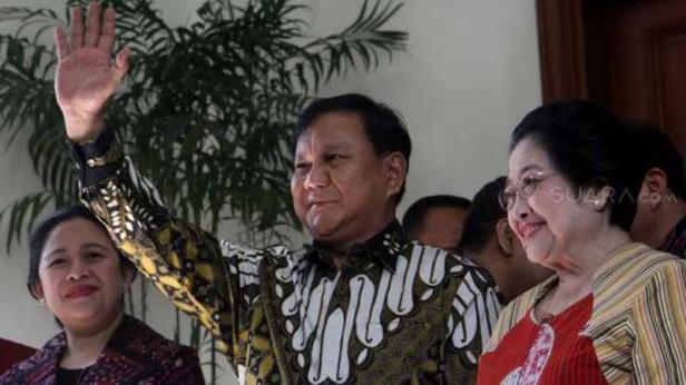 Megawati Soekarnoputri dan Prabowo Subianto serta Puan Maharani