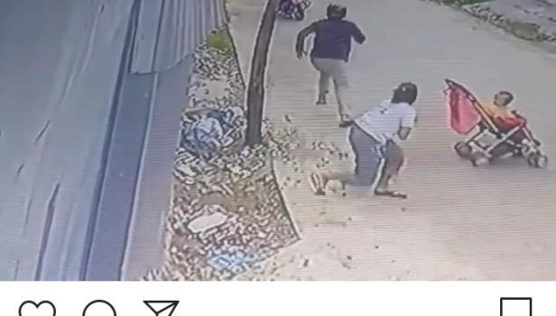 Aksi Pelaku yang Terekam CCTV