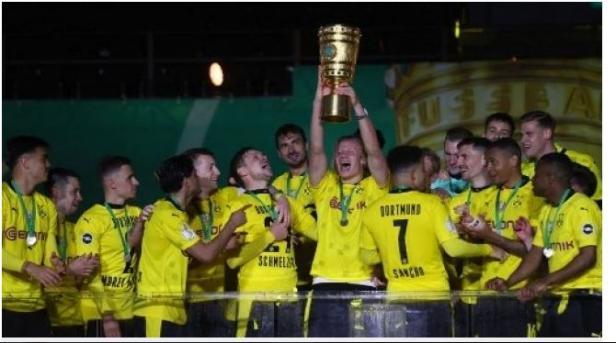 Hajar RB Leipzig 1-4, Borussia Dortmund juara DFB Pokal.