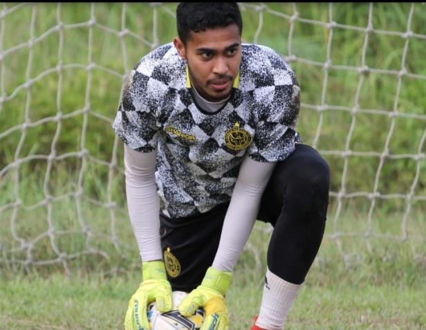 Kiper Terbaik Semen Padang FC Rendi Oscario