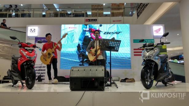 Band Peformance Saat Peluncuran All New Honda Beat di Transmart Padang