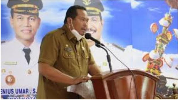 Sekretaris Daerah Kota Pariaman, Yota Balad