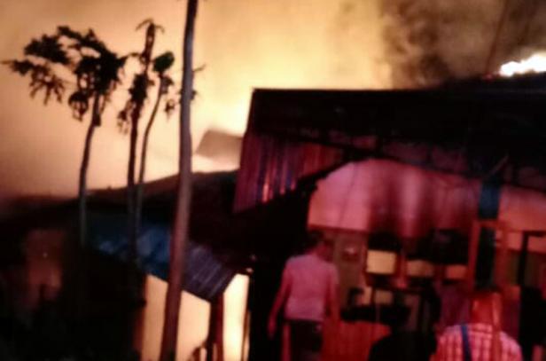 Kebakaran ruko di Batu Ambuang Tanah Datar