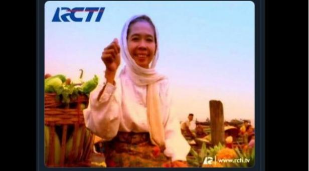 Hj Noor Parida saat muncul di iklan RCTI.