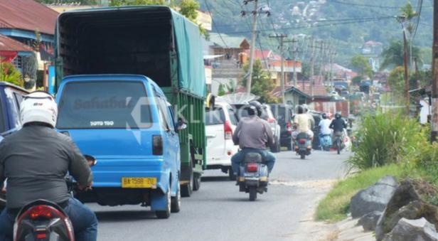 Kendaraan di Padang Lua Bukittinggi