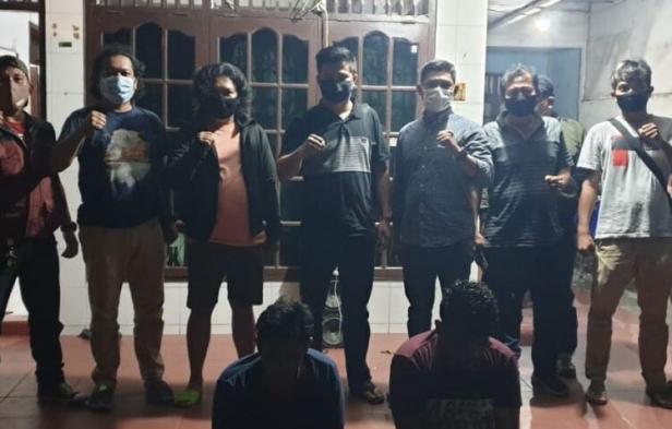 Satreskrim Polres Sijunjung meringkus dua tersangka pembunuhan di Kota Medan, Sumatera Utara. Tersangka merupakan oknum sopir dan kernet Bus ALS.