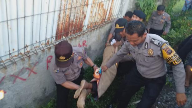 Polisi Saat Olah TKP