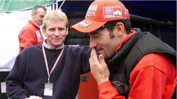 Legenda Balap MotoGP, Wayne Rainey (tengah), bersama mantan juara dunia lima kali kelas 250cc, Max Biaggi (kanan).