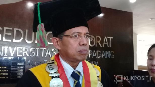 Rektor UNP, Ganefri