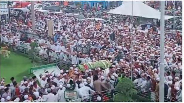 Ribuan orang hadiri proses pemakaman jenazah Habib Hasan Pasuruan