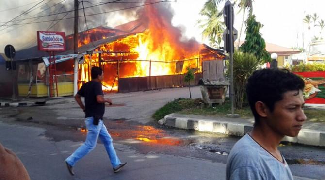 Kebakaran salah satu rumah makan di Solok beberapa waktu lalu