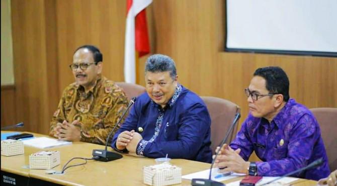 Wako Solok Zul Elfian menggelar dialog dengan Sekretaris Jendral Dewan Jagung Nasional dan petani beras