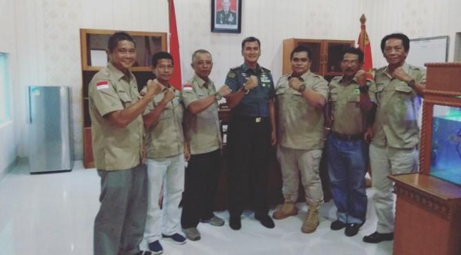 Danrem 032/Wirabraja foto bersama dengan pengurus PORBBI Sumbar.
