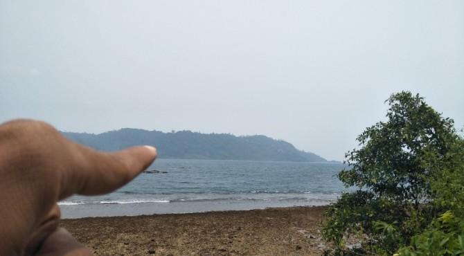 Kabut asap menyelimuti perbukitan