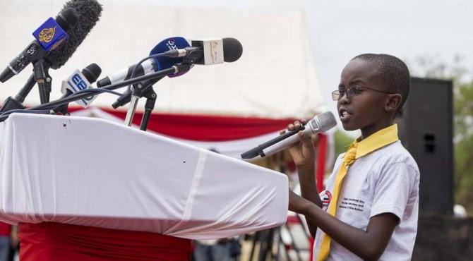 Seorang anak berpidato pada peringatan Hari Internasional untuk Kesadaran Tambang di Juba, Sudan Selatan